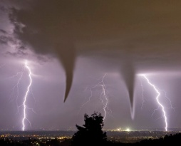 459fd-5-5-tornadoes-forming